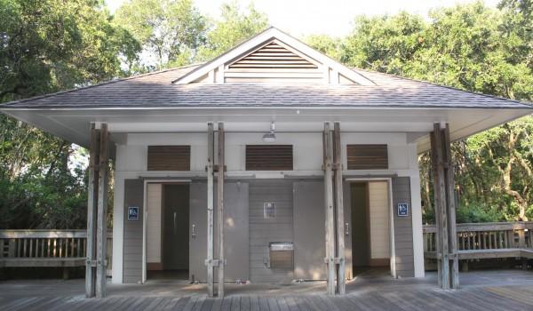 Islanders Beach Bathrooms